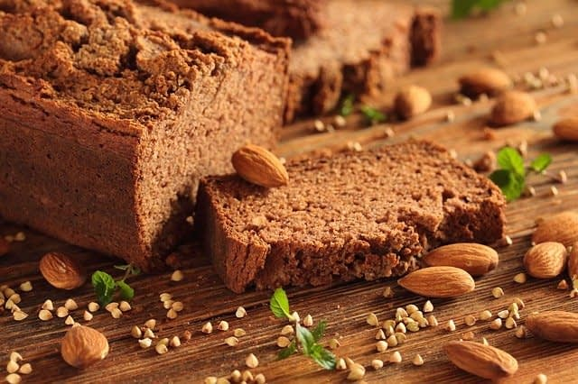 The Pros and Cons of Gluten Intake for Our Health